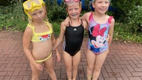 Schwimmbad-7.282x158-crop.jpg